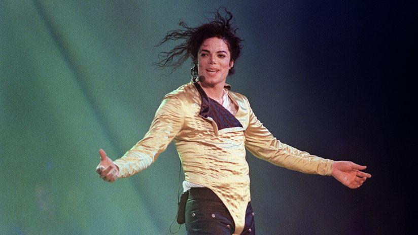 Subastan los zapatos que Michael Jackson utilizó durante el primer paso de 'moonwalk'