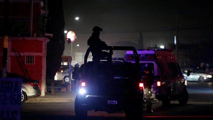 VIDEO: Dos hombres son asesinados por un grupo armado dirigido por una mujer en México