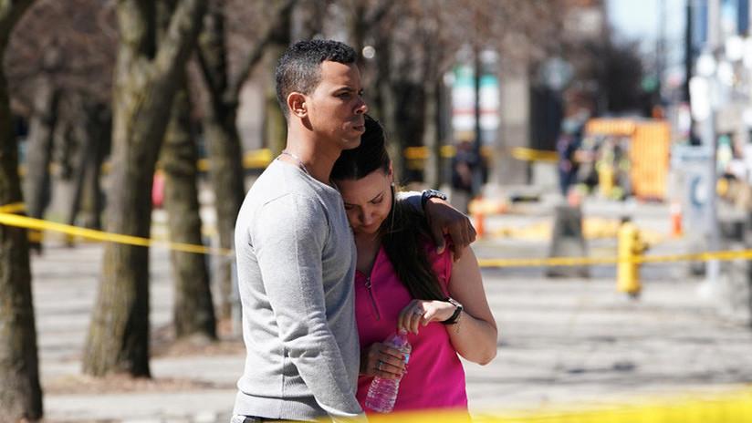 """""""Arrolló a cada persona en su camino"""": Testigos relatan el horror del atropello mortal en Toronto"""