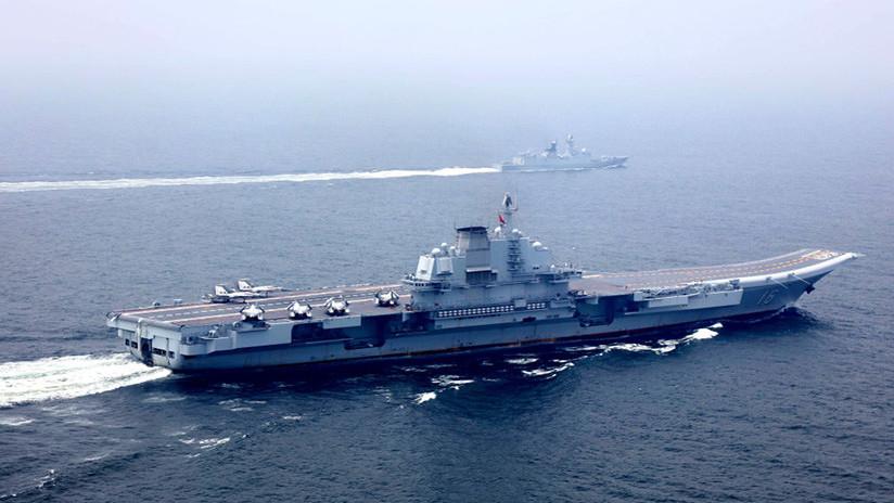 El primer portaviones fabricado por China se prepara para sus pruebas iniciales en el mar