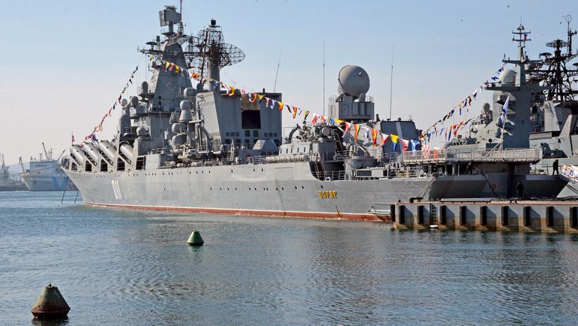 VIDEO: Dos destructores y un crucero ruso simulan un ataque costero en el Pacífico