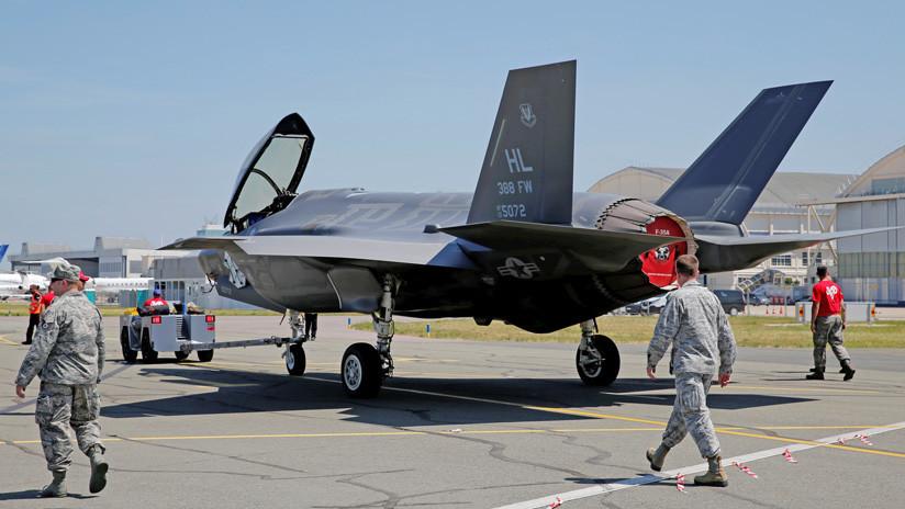 Un caza estadounidense F-35 aterriza de emergencia en Japón