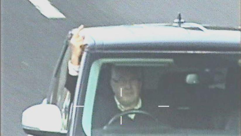 VIDEO: Evade controles viales y se burla de las cámaras mostrándoles el dedo medio pero irá a cárcel
