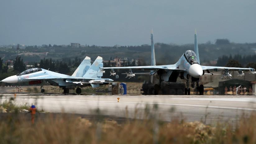 Sistemas antiaéreos de la base rusa de Jmeimim en Siria interceptan objetivos aéreos desconocidos