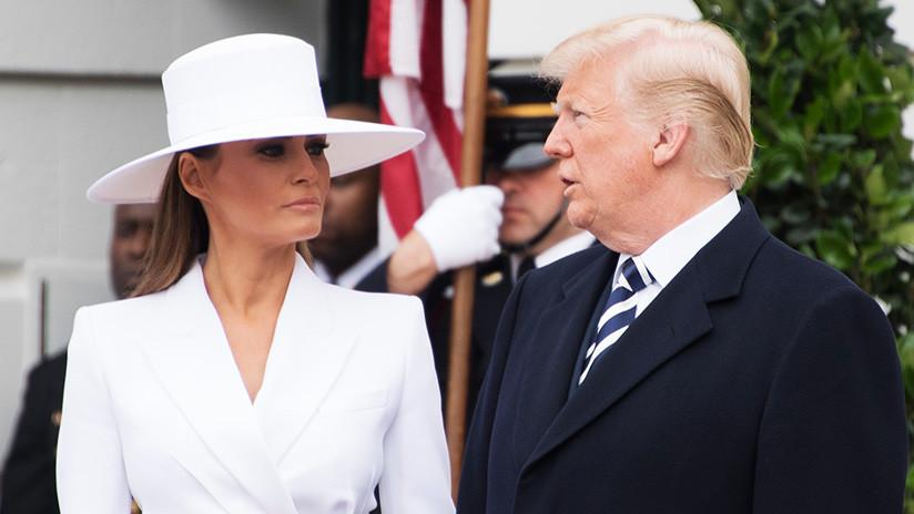 VIDEO: Melania vuelve a rechazar la mano de Trump