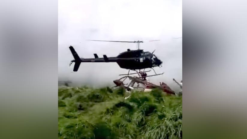 VIDEO: Se accidenta un helicóptero cuando intentaba rescatar los restos de otra aeronave en Colombia