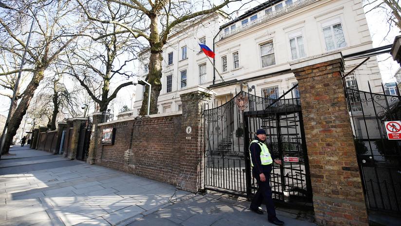 """Embajada rusa en Londres: """"Élite del Reino Unido demoniza a Moscú para fines políticos domésticos"""""""