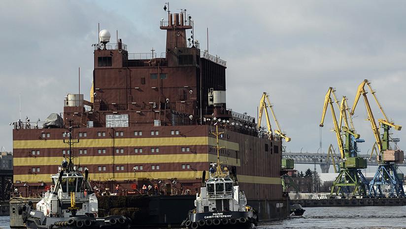 FOTOS: Zarpa en Rusia la primera central nuclear flotante del mundo