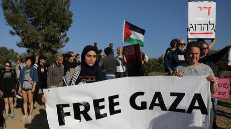 Activistas protestan en solidaridad con los palestinos de Gaza. Kibbutz Nahal Oz, Israel, 31 de marzo de 2018.