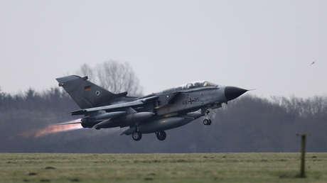 Un avión Panavia Tornado despega de la base aérea de Jagel, en el Norte de Alemania el 10 de diciembre de 2015