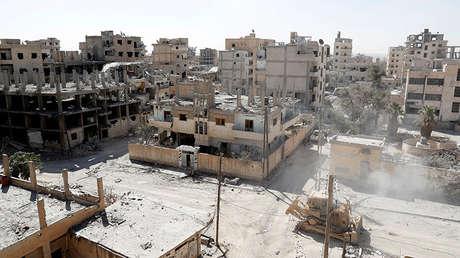 Edificios destruidos durante los combates entre el Estado Islámico y las Fuerzas Democráticas Sirias en Raqa (Siria), el 4 de octubre de 2017.