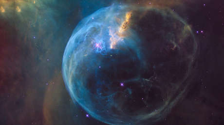 Nebulosa de la Burbuja, también llamada NGC 7653, ubicada cerca de 8000 años luz del Sistema Solar