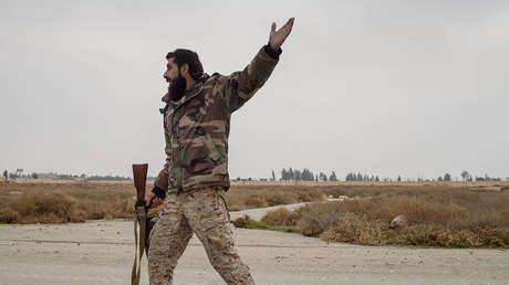 Un militar del Ejército Árabe Sirio en el sureste de Damasco, el 18 de diciembre de 2015.