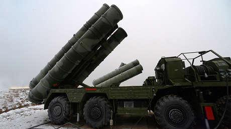 Un sistema ruso de defensa antiaérea S-400.
