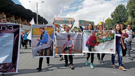 Familiares y amigos de los periodistas ecuatorianos secuestrados piden su liberación en Quito, Ecuador. 1 de abril de 2018.