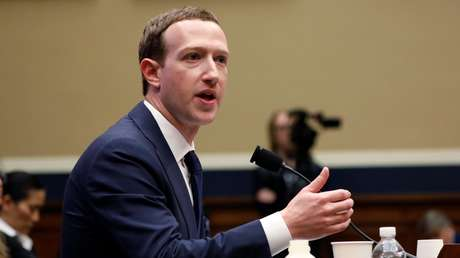 Mark Zuckerberg testifica ante una audiencia del Congreso en EE.UU. 11 de abril de 2018.