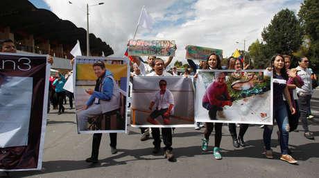 Familiares y amigos de los secuestrados exigen su liberación, en Quito, 1 de abril , 2018.