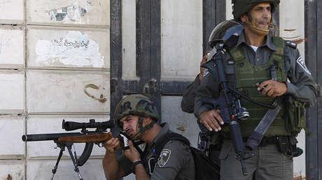 Dos soldados de la Policía fronteriza israelí.