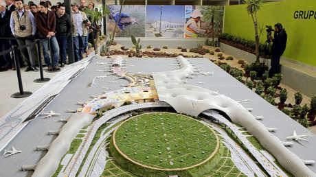 Modelo del Nuevo Aeropuerto que se está construyendo a las afueras de Ciudad de México. 25 de octubre de 2016.