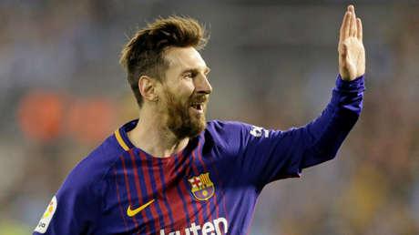 Lionel Messi jugando para el Barcelona el 17 de abril de 2018.