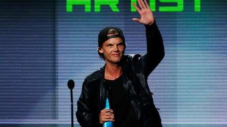 Avicii durante la ceremonia de premiación de los American Music Awards, celebrada en Los Ángeles el 24 de noviembre de 2013.