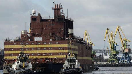 La unidad de energía nuclear flotante Akadémik Lomonósov, San Petersburgo (Rusia), el 28 de abril de 2018.