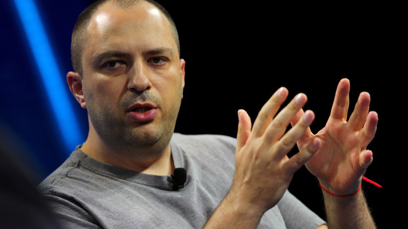 El cofundador y director ejecutivo de WhatsApp deja su cargo