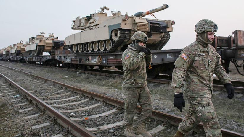 VIDEO: Un tren con tanques de EE.UU. se dirige hacia Europa
