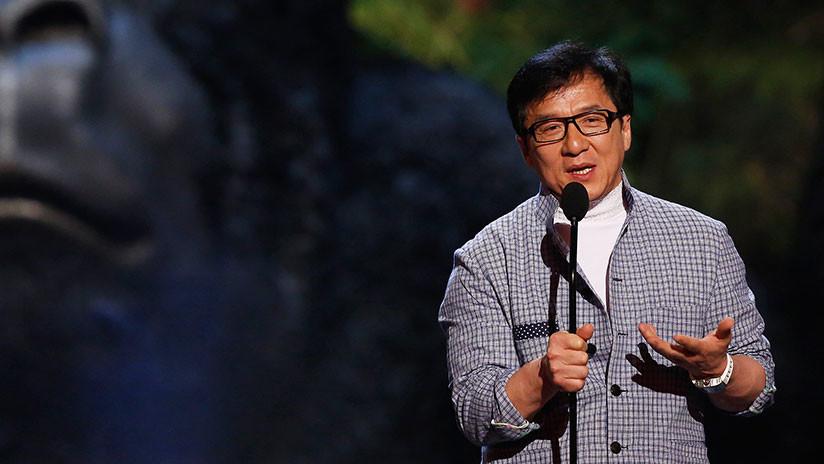 """""""Dormir bajo un puente"""": La hija de Jackie Chan se viraliza con un conmovedor video"""