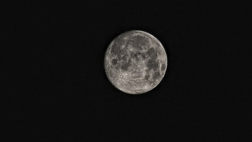 Un meteorito hallado en África sugiere que en la luna hay agua oculta