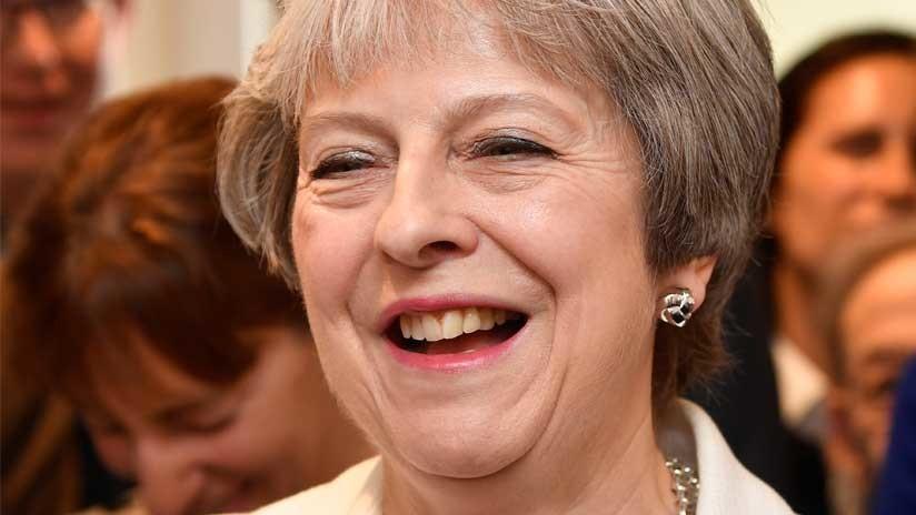 """""""¿Todavía sin sospechosos?"""": Trolean a Theresa May por la investigación del caso Skripal (MEME)"""
