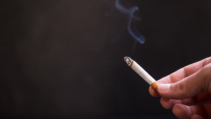"""""""¿Todavía quieren fumar?"""": Médica muestra cómo funcionan pulmones sanos y los de un fumador (VIDEO)"""
