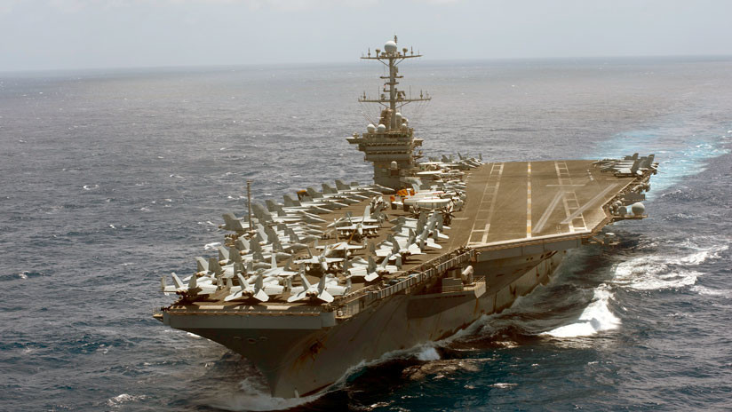 La Marina de EE.UU. inicia ataques aéreos contra objetivos del Estado Islámico en Siria