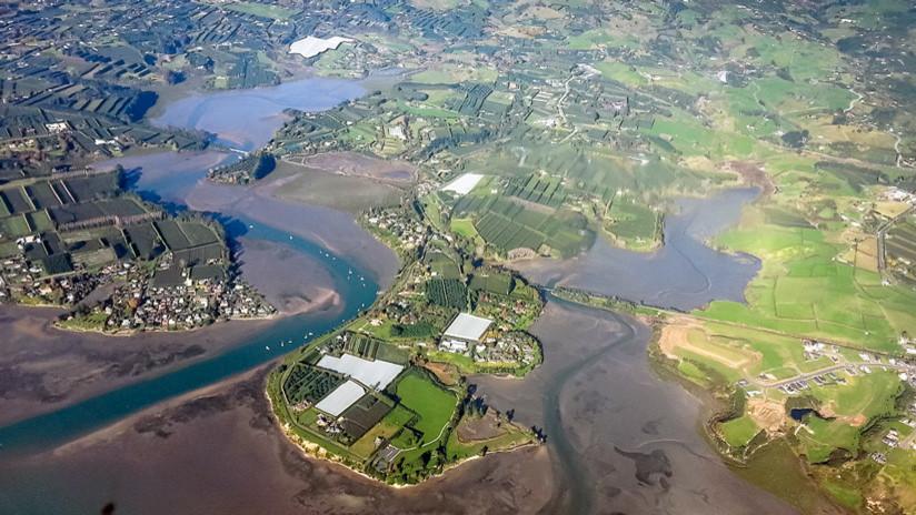 VIDEO, FOTO: En Nueva Zelanda se abre la tierra y aparece el socavón más grande que se haya visto