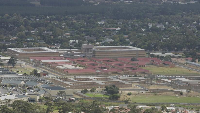 """Los ladrones """"más estúpidos"""" de Sudáfrica roban un coche y se refugian en una cárcel"""