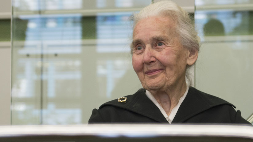 Dos años de cárcel para la 'abuela nazi' alemana que niega el Holocausto