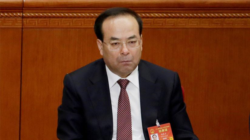Cadena perpetua por corrupción para un prominente miembro del Politburó chino