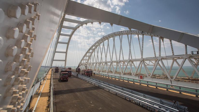 FOTOS: Concluye la construcción de la sección automovilística del puente de Crimea