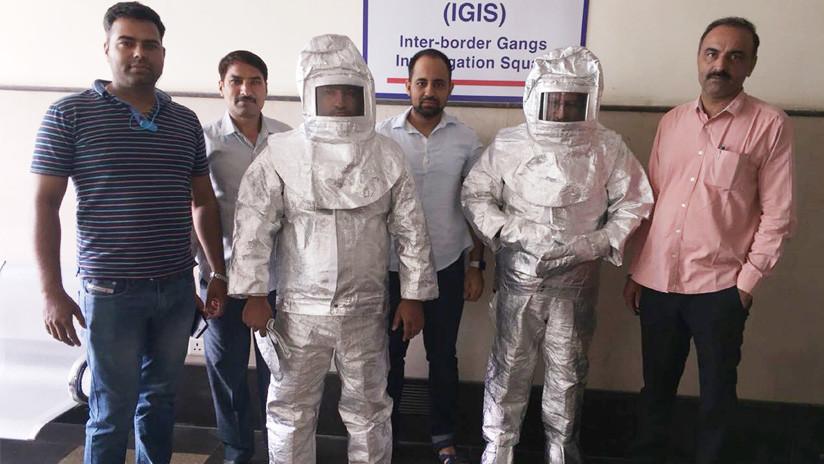 VIDEO: Vestían 'trajes espaciales' y afirmaban que vendían productos a la NASA (terminaron presos)