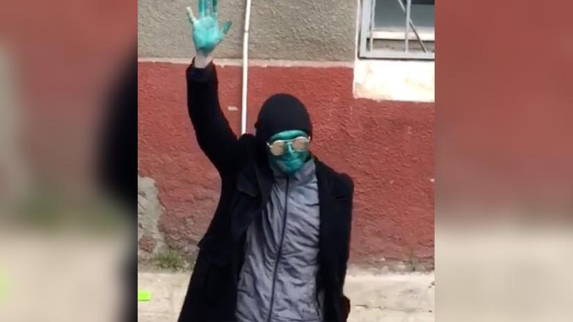 VIDEO, FOTO: Capturan en Rusia a 'La Máscara' por asaltar a una mujer
