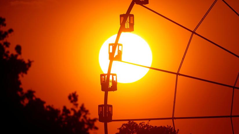 """VIDEO: La NASA muestra un gran """"agujero coronal"""" en el Sol"""