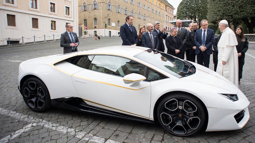 Subastan el lujoso Lamborghini del papa Francisco en 855.000 dólares