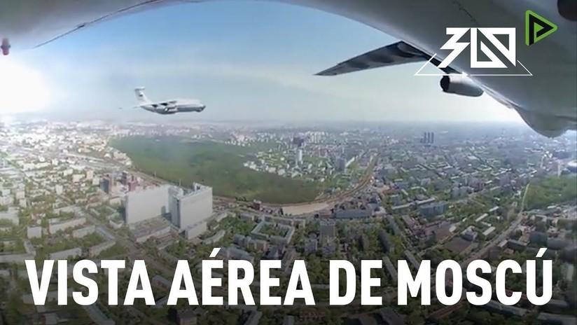 Espectacular sobrevuelo de Moscú en 360° durante el ensayo del Día de la Victoria