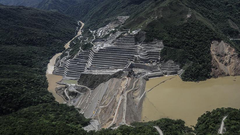 VIDEOS: Cientos de evacuados por fallo en el proyecto hidroeléctrico más grande de Colombia