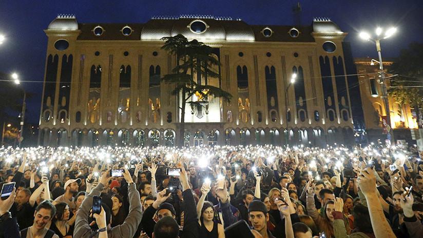 Georgia: Protestas masivas tras redadas policiales en discotecas (VIDEOS)