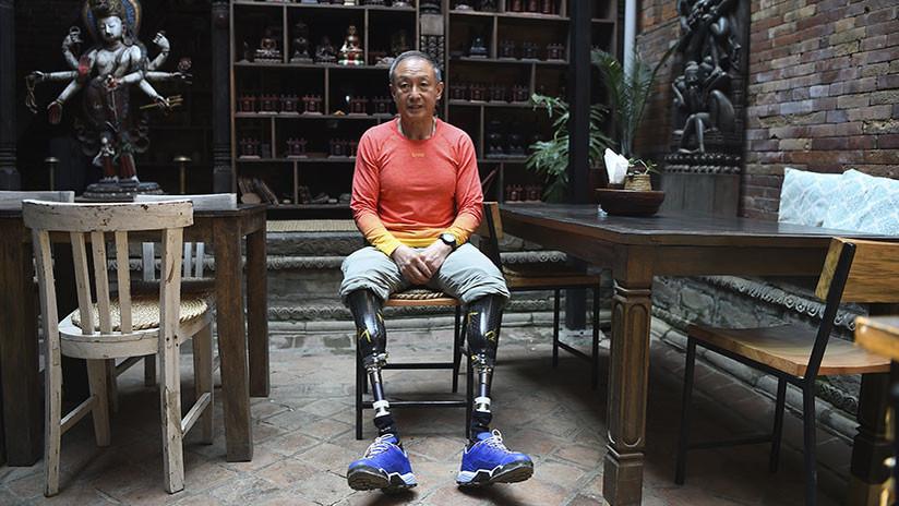 FOTOS: Un escalador chino de 70 años con las dos piernas amputadas conquista el monte Everest
