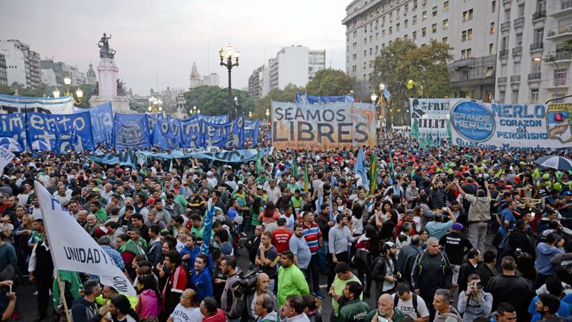 Argentina: Aumentan las protestas contra el préstamo solicitado por el Gobierno al FMI