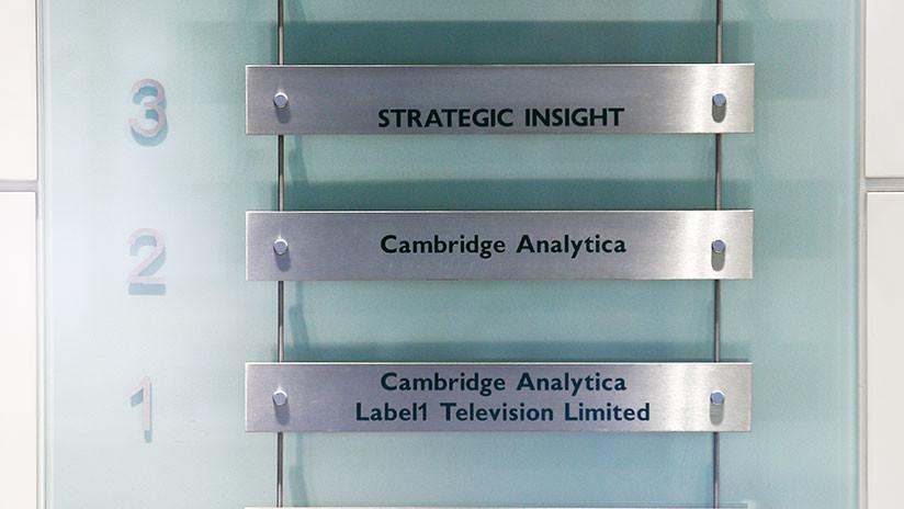 El Departamento de Justicia y el FBI de EE.UU. lanzan una investigacióncontra Cambridge Analytica