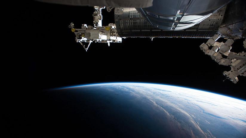 La Expedición 55 de la EEI realiza una caminata espacial