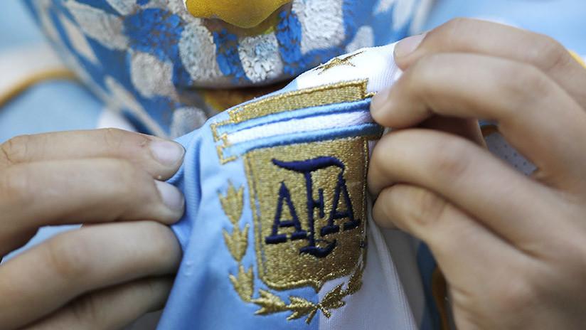 """La Asociación del Fútbol Argentino pide perdón por el manual con consejos sobre """"las chicas rusas"""""""